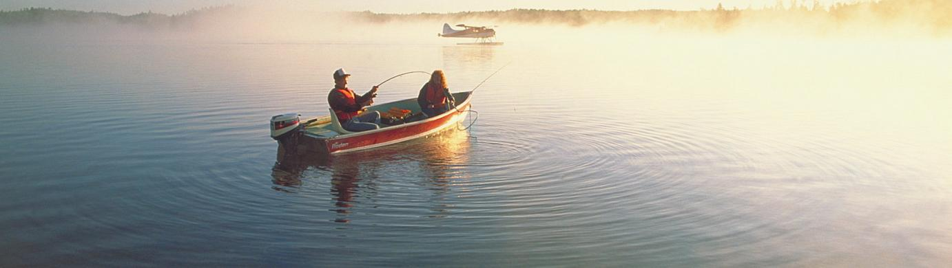 Fishing in Northern Ontario (courtesy OTMPC)