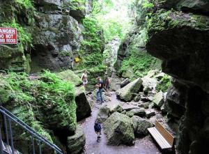 Waterfalls in the Niagara Region - Summer Fun Guide