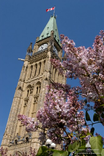 Parliament of Canada - Tours in Ottawa - Attractions in OTTAWA REGION Summer Fun Guide