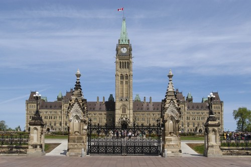 Parliament of Canada - Tours in Ottawa - Museums, Galleries & Historical Sites in OTTAWA REGION Summer Fun Guide