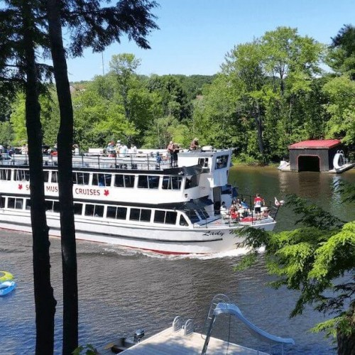 Lady Muskoka Cruises in Bracebridge - Boat & Train Excursions in CENTRAL ONTARIO Summer Fun Guide